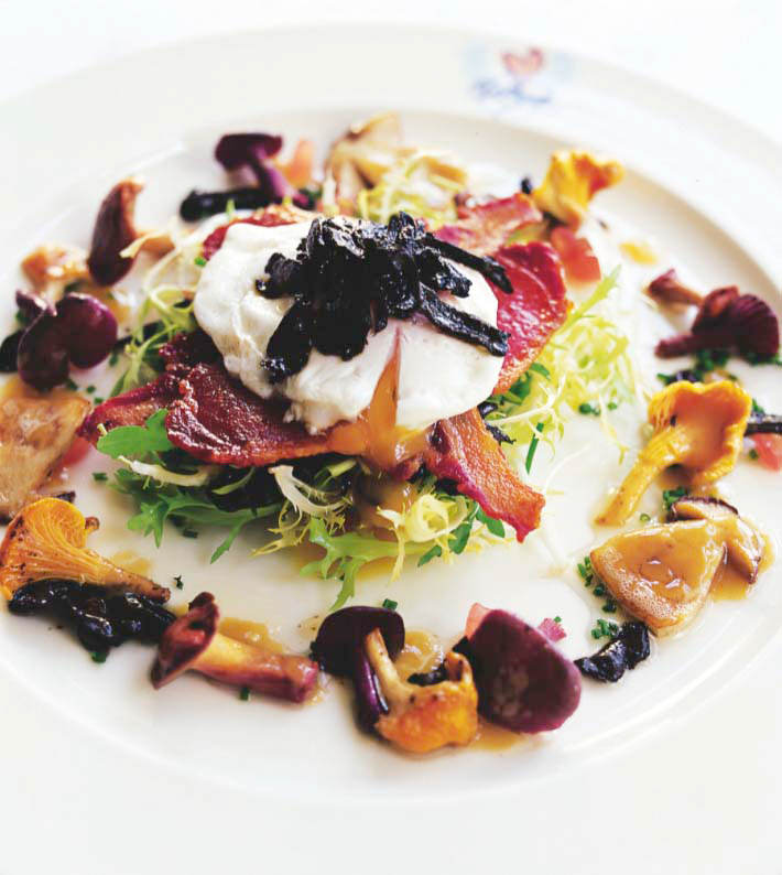 Egg, bacon and wild mushroom salad recipes